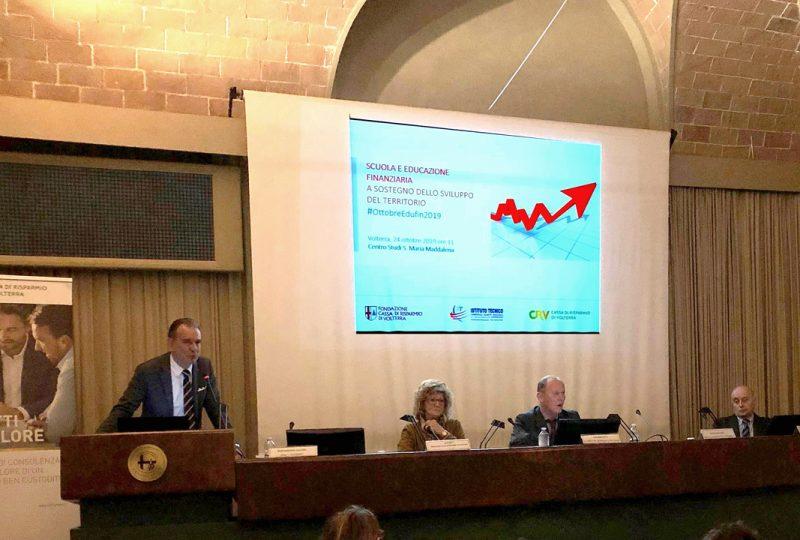 Ottobre, mese dell'educazione finanziaria: il contributo del Niccolini e della Cassa di Risparmio di Volterra
