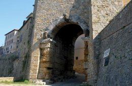 Tesori di Volterra: la presentazione del volume edito da Pacini Editore per Cassa di Risparmio di Volterra